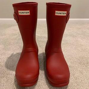 Hunter short red rain boots